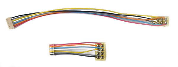 MC 5 is a 5 or 125 mm harness 8 pin NMRAplug for MC series decoder