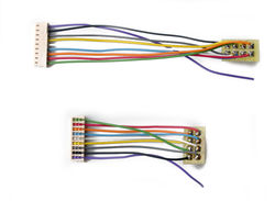 T-3.5-UK is a 3.5' harness for the T series with a NMRA plug in UK Format.